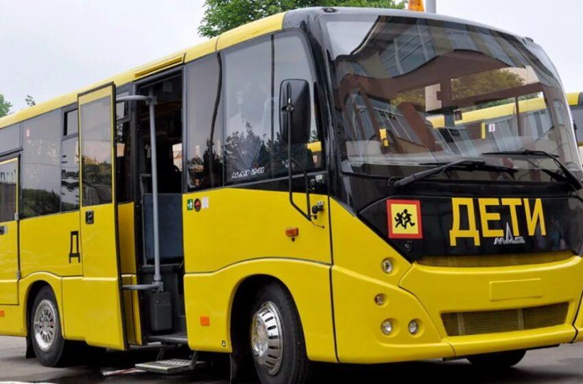 Мантурову пожаловались на небезопасные автобусы для перевозки детей. Почему компании не готовы производить специализированную технику