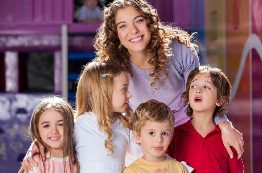 Воспитатели: сложное возвращение к основам профессионализма