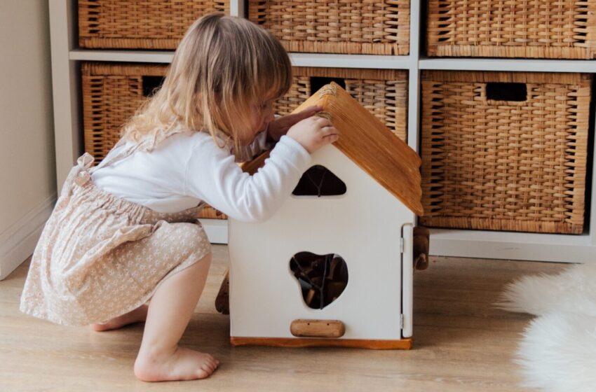 Путин поручил снизить ипотечную ставку для семей с детьми