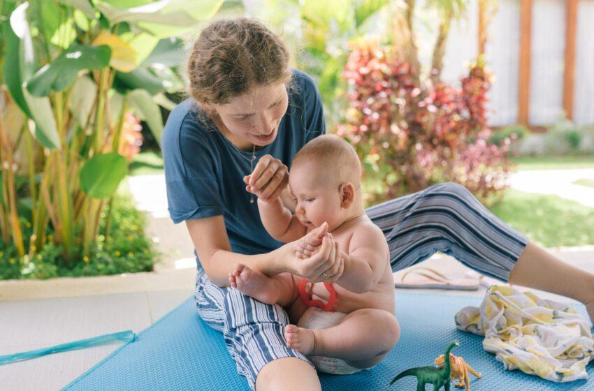 Путин подписал закон о социальных выплатах беременным и семьям с детьми.