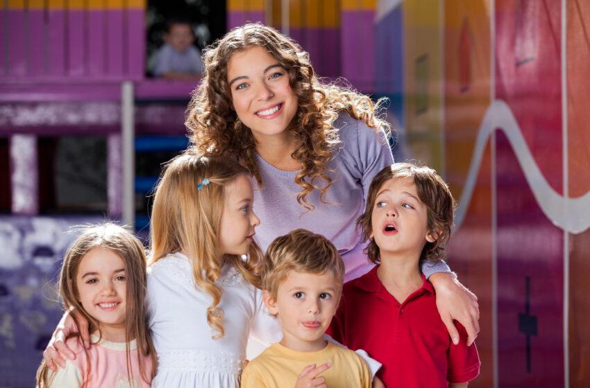 Поздравляем с Днем воспитателя и всех дошкольных работников